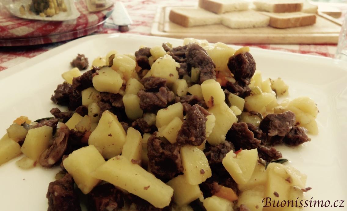 Hovězí na víně s bramborami
