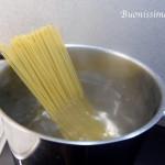 Špagety aglio olio peperoncino