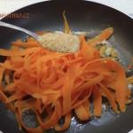 Krůtí plátky s karamelizovanou mrkví